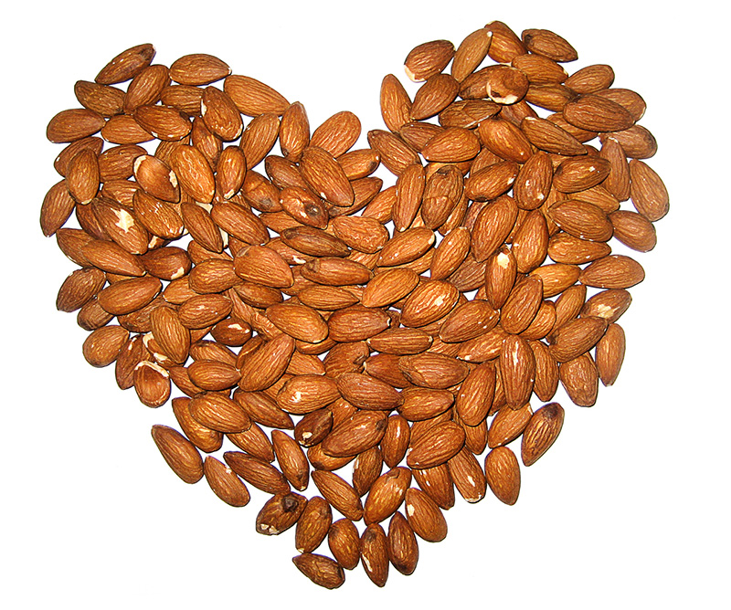 almonds heart - Maria Li - FreeImages.com