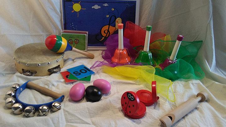 Taller de música para y con, las niñas y niños de tres a cinco años
